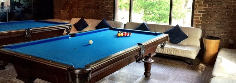 Blue Cue Is A Lively Tavern Serving Burgers, Hot Dogs U0026 Pizza In A Chill,  Brick Walled Space With Pool Tables Where You Can Play With Your Friends.